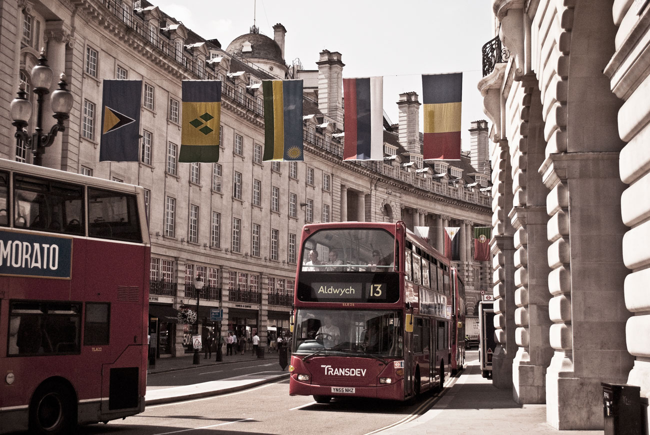 ICMSTUDIOS - A quick snap of a usual day in central London. Minor tweaking of colours, exposure in Photoshop.