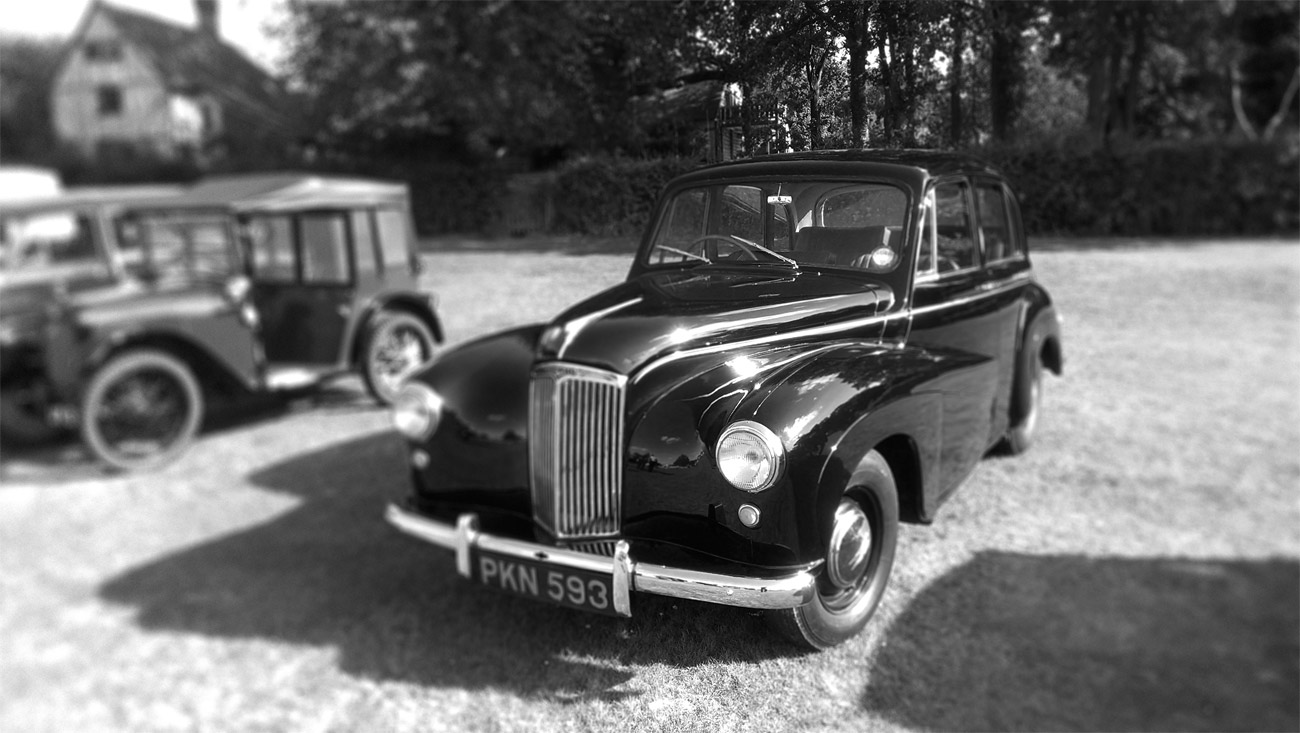 ICMSTUDIOS - Photo of a beautiful vintage car. The photo was taken at a fair near Tunbridge Wells. The photo was taken on a HTC One S. Strangely, it is not too bad!
