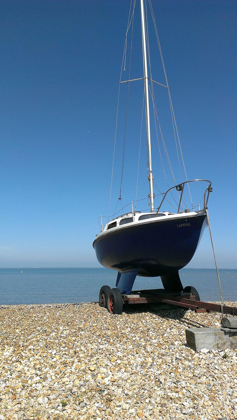 ICMSTUDIOS - Lovely blue sky, Beautiful boat. Very peaceful :)